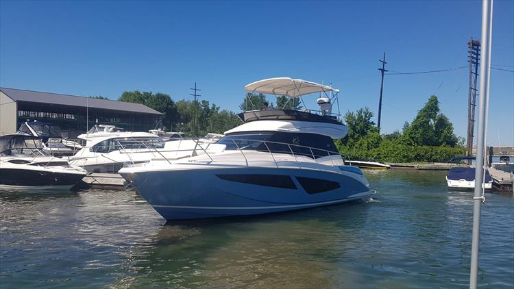 Photo 4 of 68 - 2019 Regal 42 FLY for sale