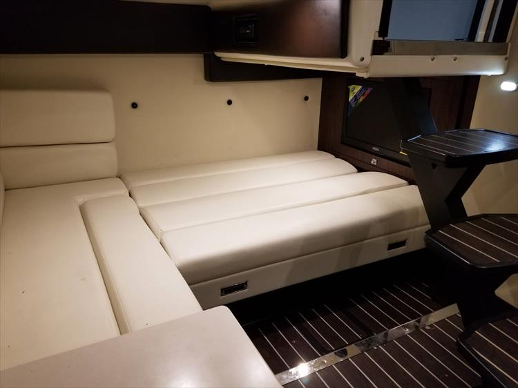 Photo 36 of 52 - 2014 Monterey 340 Sport Yacht for sale