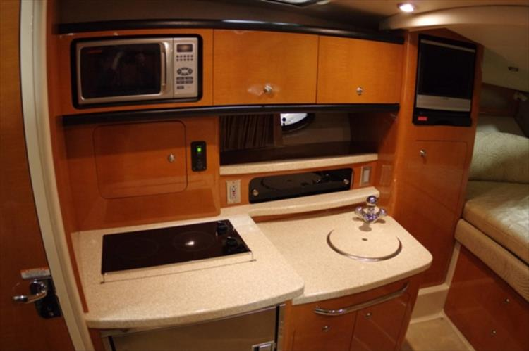 Photo 12 of 56 - 2007 Chaparral 310 Signature for sale