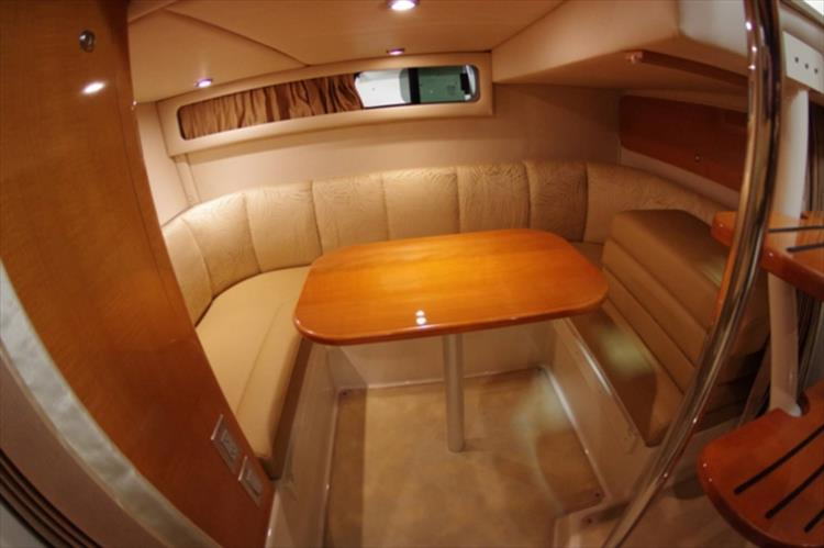 Photo 18 of 56 - 2007 Chaparral 310 Signature for sale