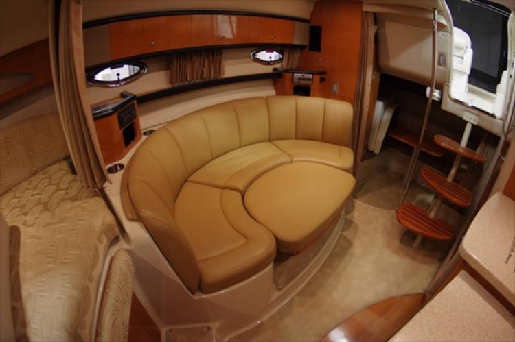 Photo 19 of 56 - 2007 Chaparral 310 Signature for sale