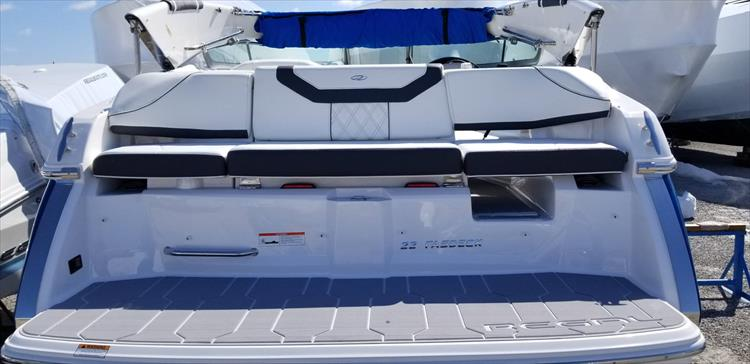 Photo 4 of 10 - 2019 Regal 22 Fasdeck for sale