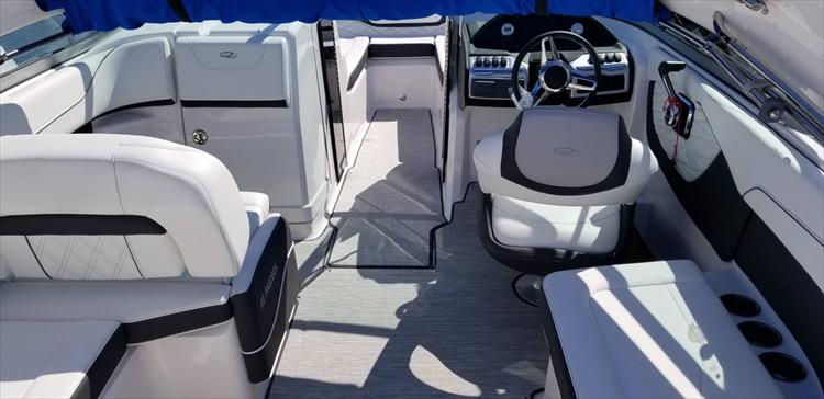 Photo 6 of 10 - 2019 Regal 22 Fasdeck for sale
