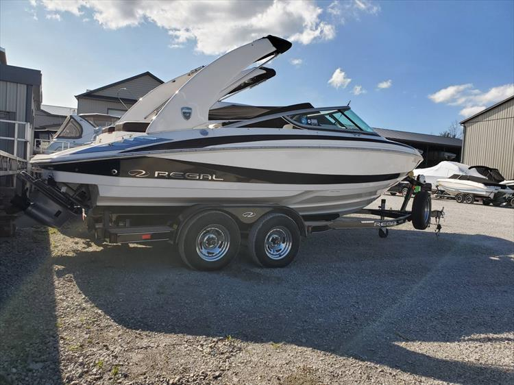 Photo 2 of 51 - 2015 Regal 2100 for sale