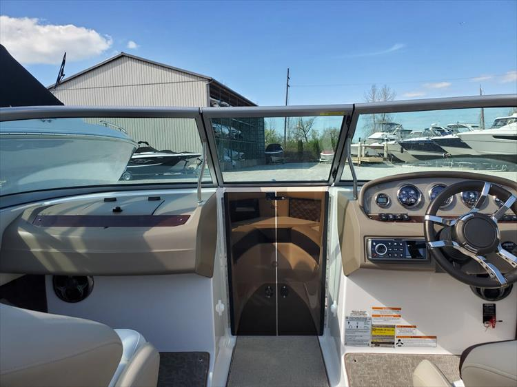 Photo 20 of 51 - 2015 Regal 2100 for sale