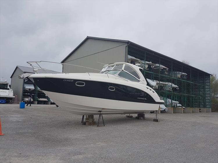 Photo 1 of 68 - 2015 Chaparral 330 Signature for sale