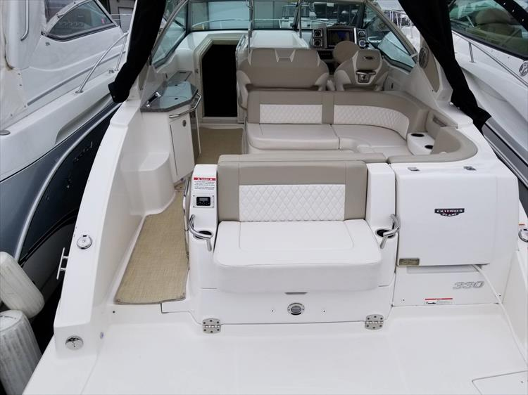 Photo 7 of 68 - 2015 Chaparral 330 Signature for sale