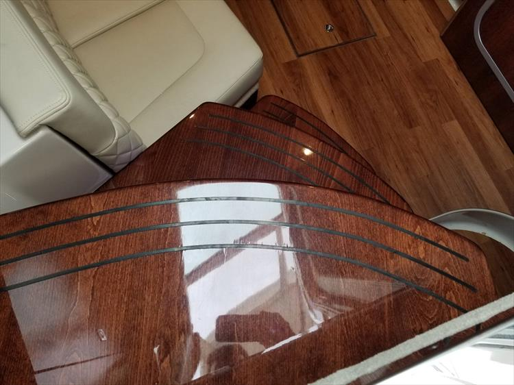 Photo 36 of 68 - 2015 Chaparral 330 Signature for sale