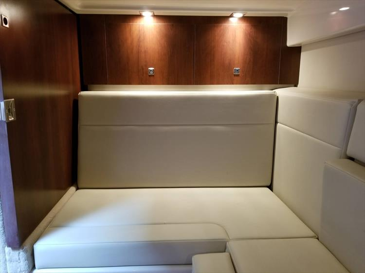 Photo 54 of 68 - 2015 Chaparral 330 Signature for sale