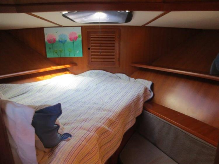 Photo 81 of 114 - 1988 Kha Shing Over Seas 40 Sundeck for sale