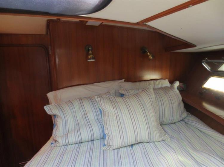 Photo 84 of 114 - 1988 Kha Shing Over Seas 40 Sundeck for sale