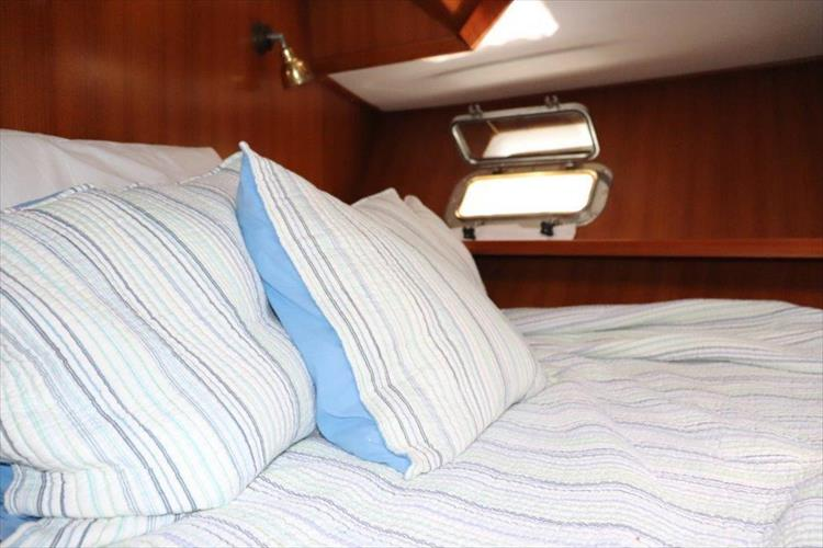 Photo 85 of 114 - 1988 Kha Shing Over Seas 40 Sundeck for sale