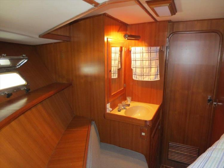 Photo 86 of 114 - 1988 Kha Shing Over Seas 40 Sundeck for sale