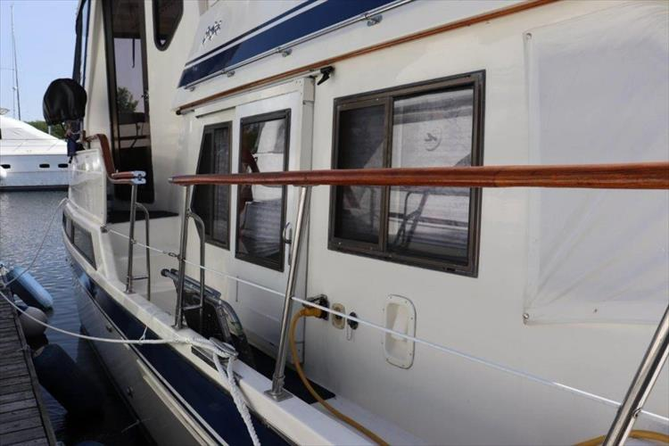Photo 8 of 114 - 1988 Kha Shing Over Seas 40 Sundeck for sale