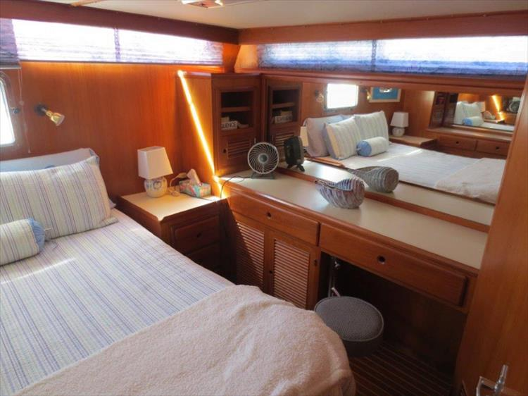 Photo 97 of 114 - 1988 Kha Shing Over Seas 40 Sundeck for sale