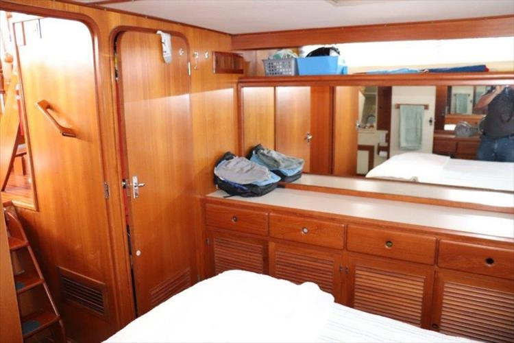 Photo 101 of 114 - 1988 Kha Shing Over Seas 40 Sundeck for sale