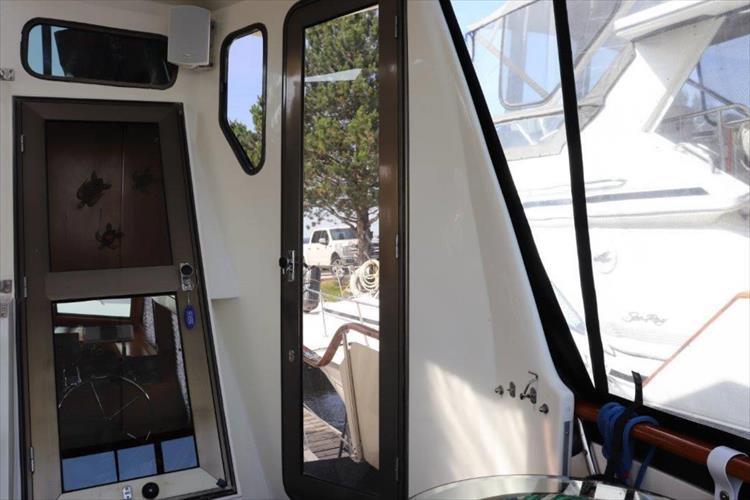 Photo 40 of 114 - 1988 Kha Shing Over Seas 40 Sundeck for sale
