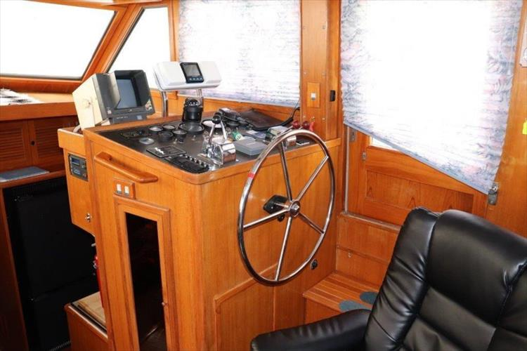 Photo 61 of 114 - 1988 Kha Shing Over Seas 40 Sundeck for sale