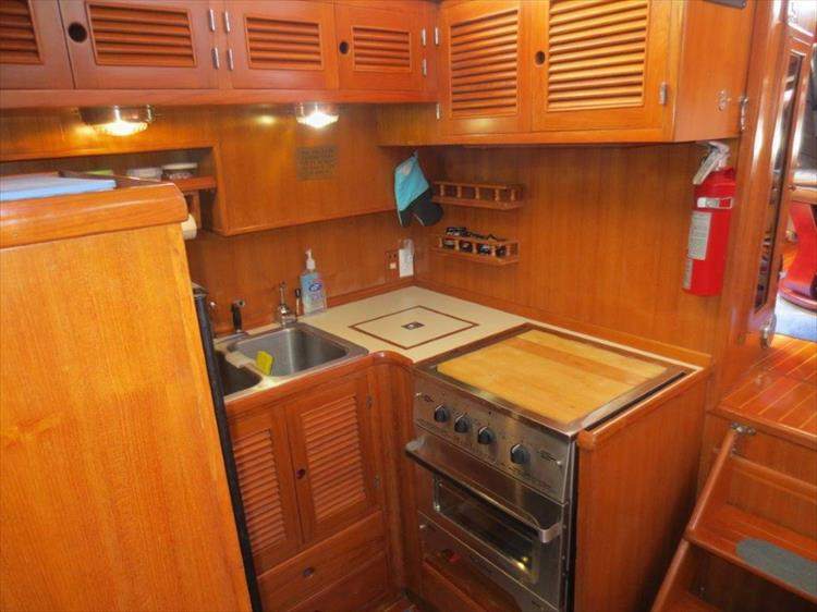 Photo 77 of 114 - 1988 Kha Shing Over Seas 40 Sundeck for sale