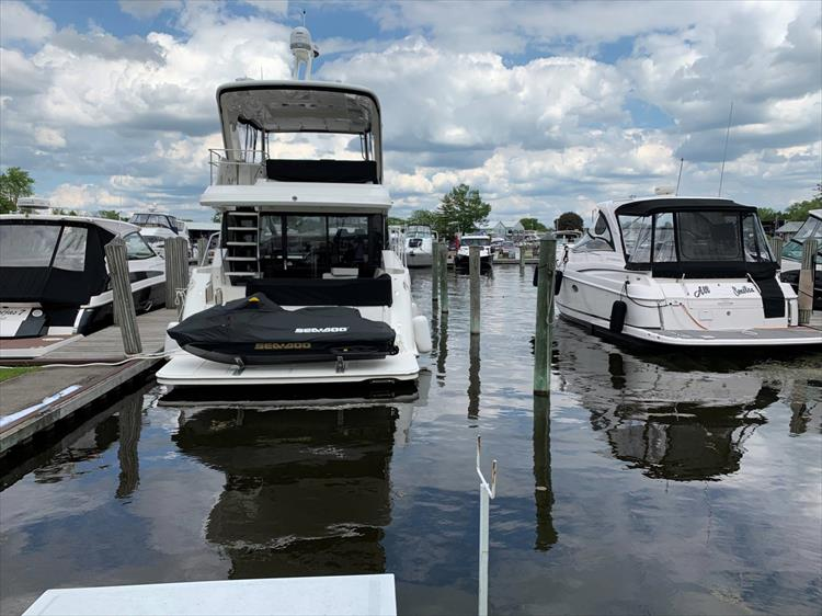 Photo 7 of 60 - 2018 Sea Ray 460 Fly for sale