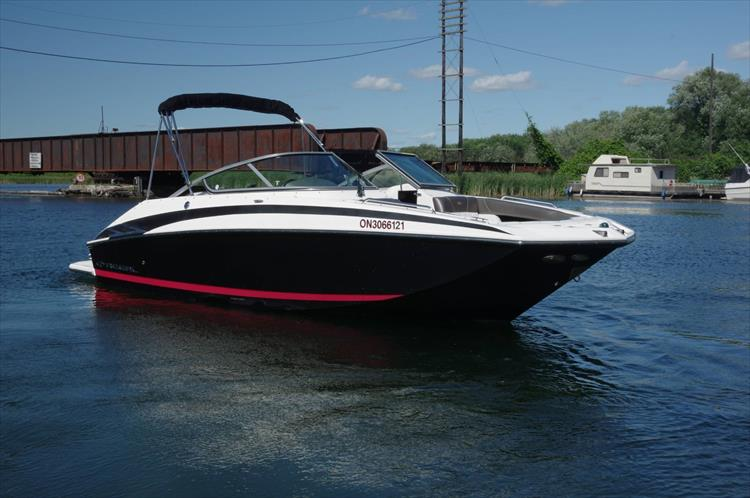 Photo 3 of 17 - 2011 Regal 2220 Fasdeck for sale