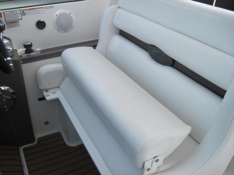 Photo 20 of 42 - 2011 Rinker 360 Hardtop Express for sale