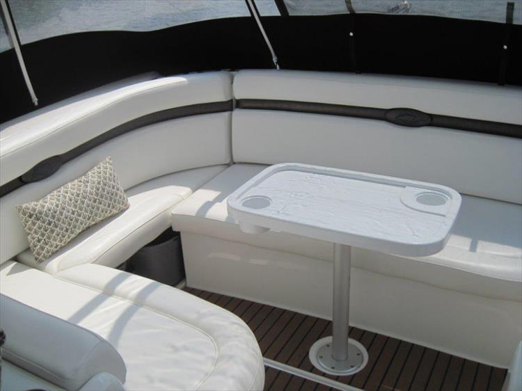 Photo 25 of 42 - 2011 Rinker 360 Hardtop Express for sale