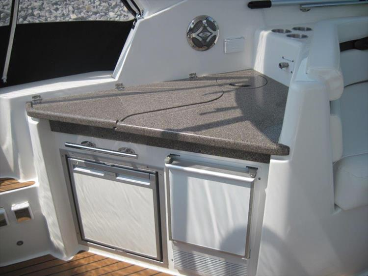 Photo 26 of 42 - 2011 Rinker 360 Hardtop Express for sale