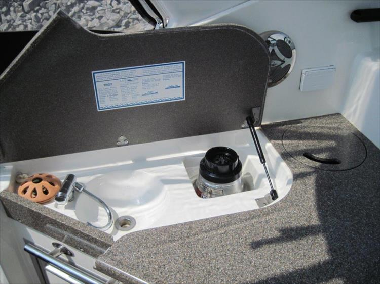 Photo 27 of 42 - 2011 Rinker 360 Hardtop Express for sale
