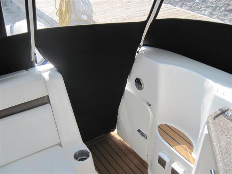 Photo 24 of 42 - 2011 Rinker 360 Hardtop Express for sale