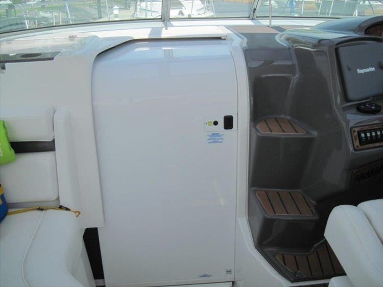 Photo 22 of 42 - 2011 Rinker 360 Hardtop Express for sale