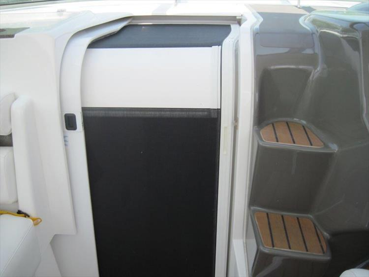 Photo 23 of 42 - 2011 Rinker 360 Hardtop Express for sale