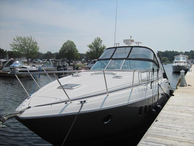 Photo 4 of 42 - 2011 Rinker 360 Hardtop Express for sale