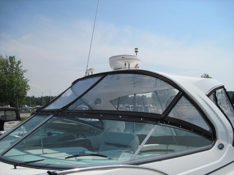 Photo 6 of 42 - 2011 Rinker 360 Hardtop Express for sale