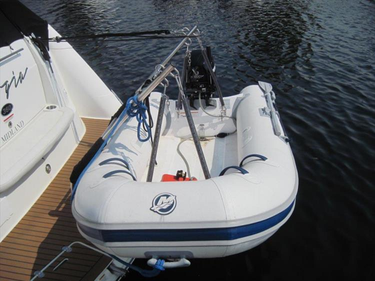 Photo 11 of 42 - 2011 Rinker 360 Hardtop Express for sale