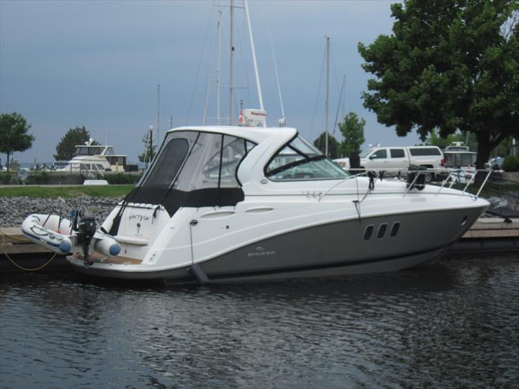 Photo 2 of 42 - 2011 Rinker 360 Hardtop Express for sale