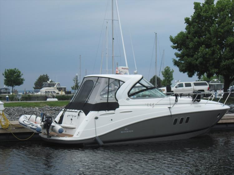 Photo 3 of 42 - 2011 Rinker 360 Hardtop Express for sale