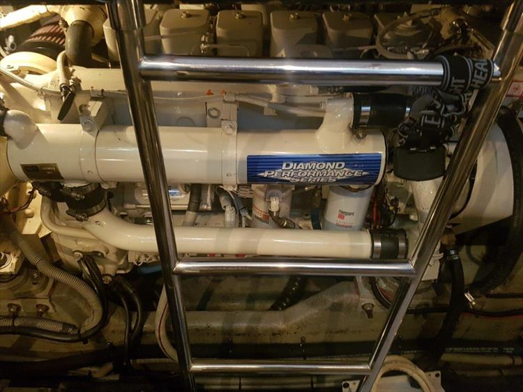 Diamond Series Cummins Diesels! - Photo 40 of 43 - 1991 Sea Ray 380 AC for sale