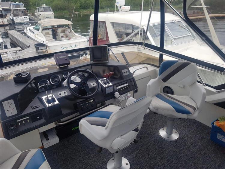 Photo 11 of 42 - 1991 Sea Ray 380 Aft Cabin (Diesel) for sale