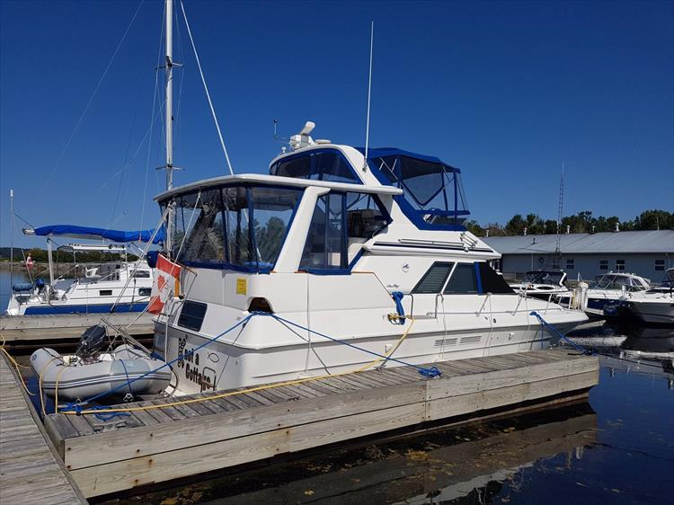 Classic lines - what a beauty! - Photo 1 of 42 - 1991 Sea Ray 380 Aft Cabin (Diesel) for sale