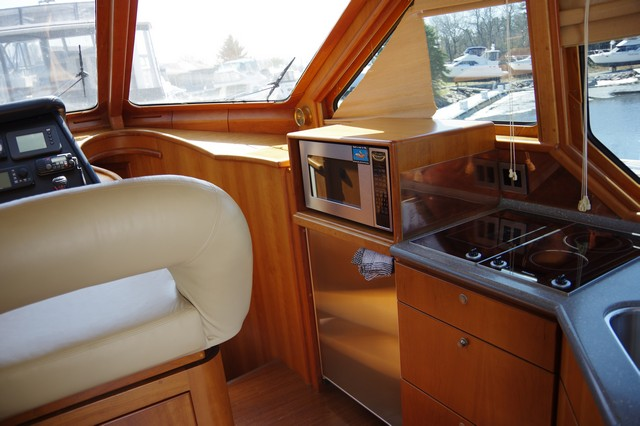 Photo 36 of 95 - 2003 Dover Craft 42 Pilot House for sale
