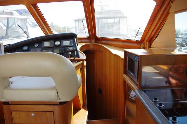 Photo 37 of 95 - 2003 Dover Craft 42 Pilot House for sale