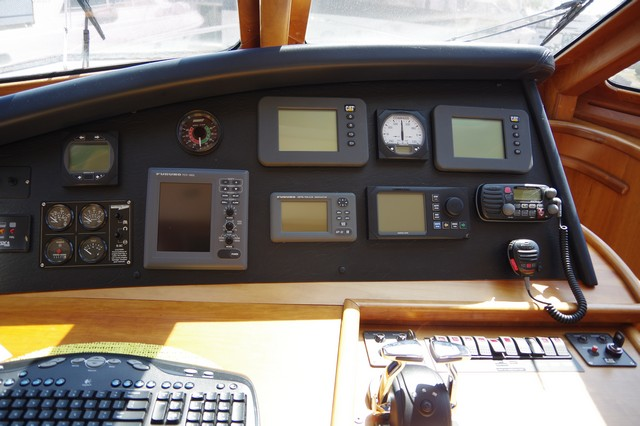 Photo 42 of 95 - 2003 Dover Craft 42 Pilot House for sale