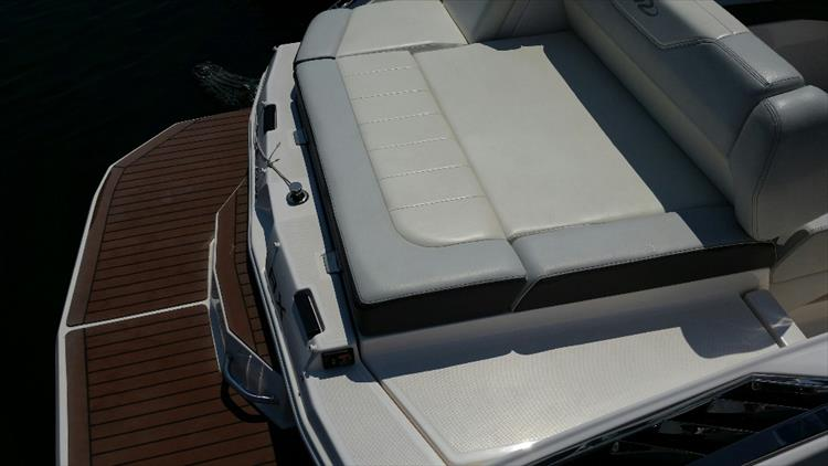 Photo 11 of 23 - 2012 Regal 24 Fasdeck RX for sale