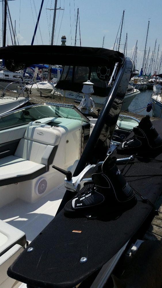 Photo 12 of 23 - 2012 Regal 24 Fasdeck RX for sale