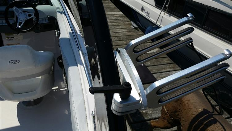 Photo 23 of 23 - 2012 Regal 24 Fasdeck RX for sale