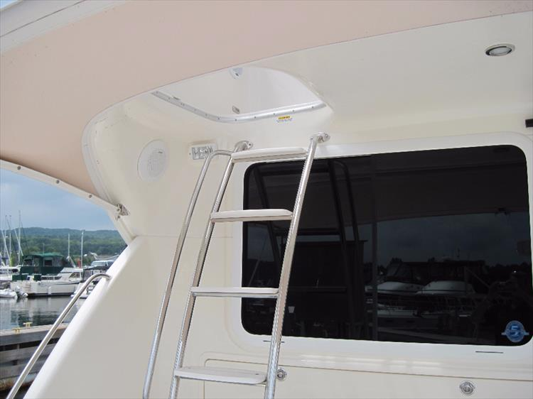 Photo 4 of 26 - 2008 Riviera 47 Open Flybridge Series II for sale