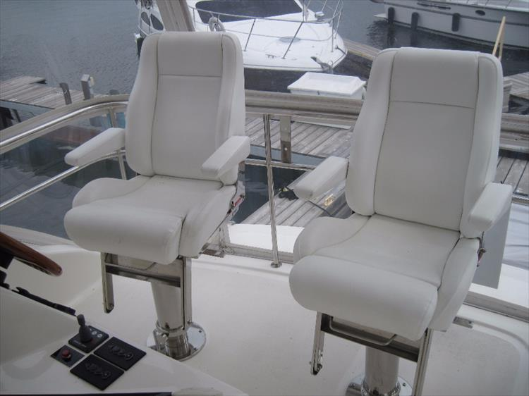 Photo 9 of 26 - 2008 Riviera 47 Open Flybridge Series II for sale