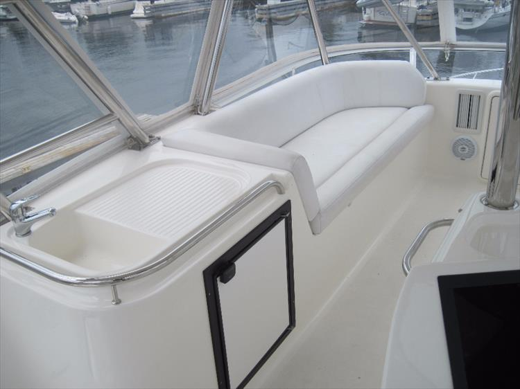 Photo 13 of 26 - 2008 Riviera 47 Open Flybridge Series II for sale