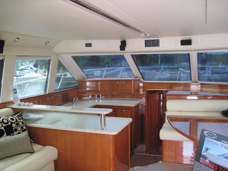 Photo 15 of 26 - 2008 Riviera 47 Open Flybridge Series II for sale